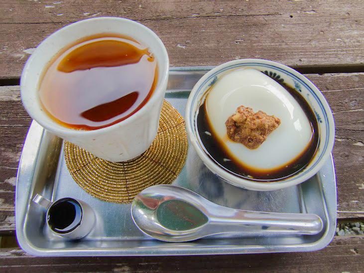 杏仁豆腐とさんぴん茶