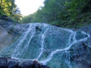 カムイワッカの湯の滝