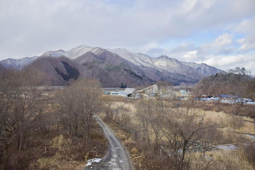 冬山を眺めながら