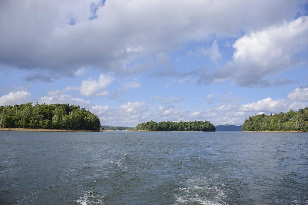 大小の島が点在