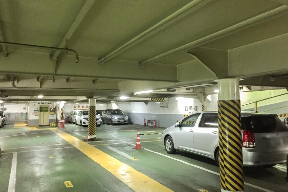 駐車フロア