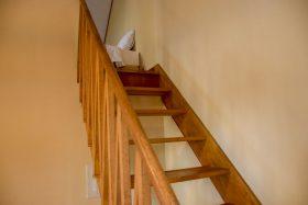 ベッドルームへの階段